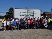 USDA employees met to glean at Sun Valley Orchards