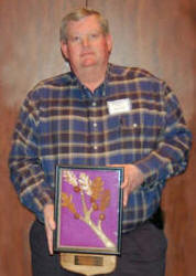 Randal East, Resource Engineer, receives the 2006 Jerry L. Johnson Award