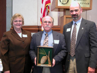 Mac Nelson receives Jerry L. Johnson award