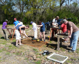 Earth Team Volunteers excavate and screen units in Montgomery, AL