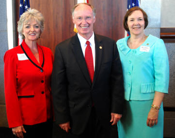 AACD Legislative Meeting- (l-r) AACD 1st Vice-President Lisa Pritchett, Alabama Governor Robert Bentley, and AACD President Dr. Carol Knight.