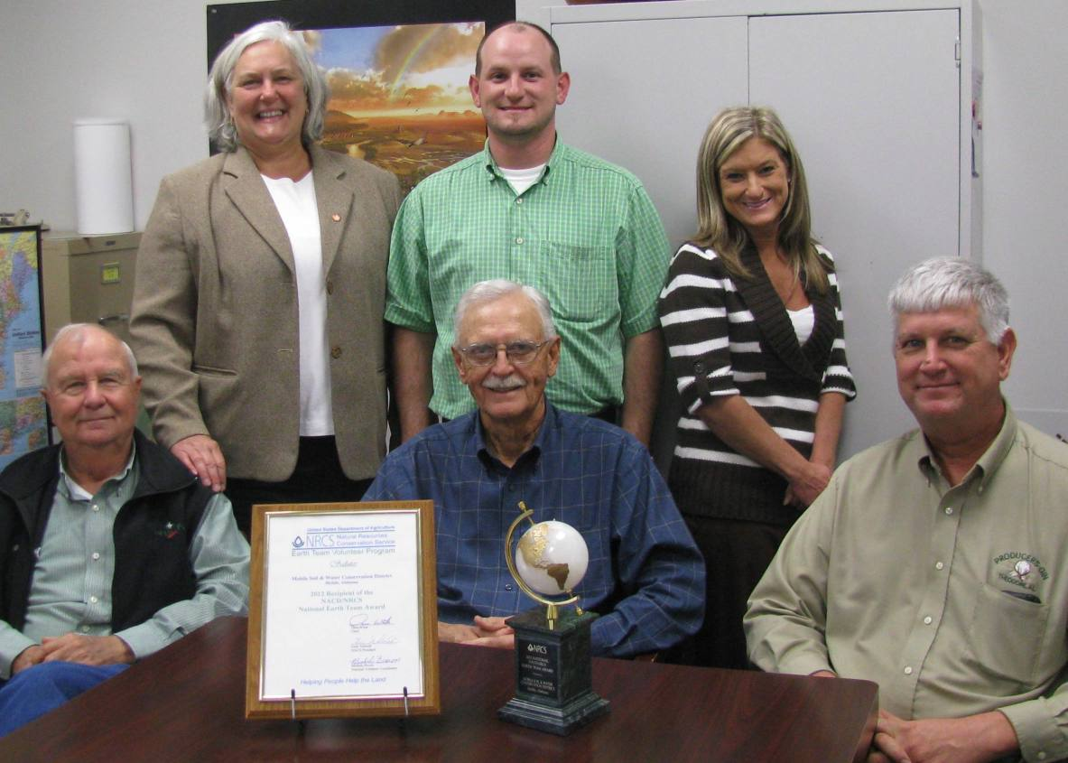 Mobile County SWCS/NRCS  wins Earth Team Award.