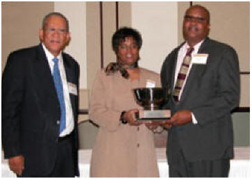 Snells receive National 2012 Small Farmer Award