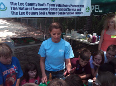 Jesi King demonstrates Enviroscape.