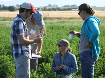 conservationists learn how to assess soil quality