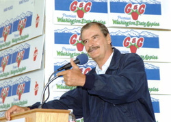 Mexican President Vicente Fox addresses more than 500 invited guests and throngs of local, state, national and international media at the Garcia��������� packing house, G&G Orchards, during his 2006 visit.