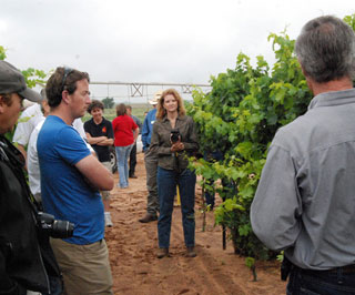 Cliff and Betty Bingham (right) gave the Nuffield Scholars a tour of their Meadow, Texas vineyard, explaining the use of water-efficient drip irrigation in the production of wine grapes.