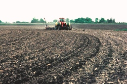 A mulch tillage operation leaves plant residues on the soil surface