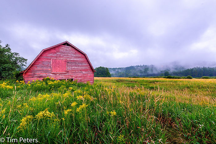 Barn in Vermont, photo by Tim Peters