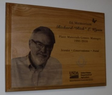 Plaque honoring Rich Wynia