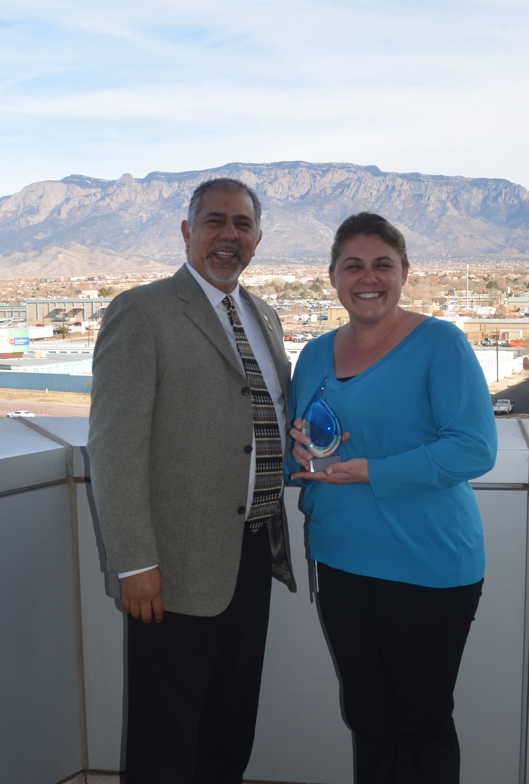 Photo of Molly Murphy, Archeologist and Xavier Montoya, State Conservationist. Receiving the award for 2017 Civil Rights Employee of the Year.