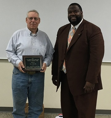 Sig Collins (l) presented Earth Team award by Sheldon Hightower
