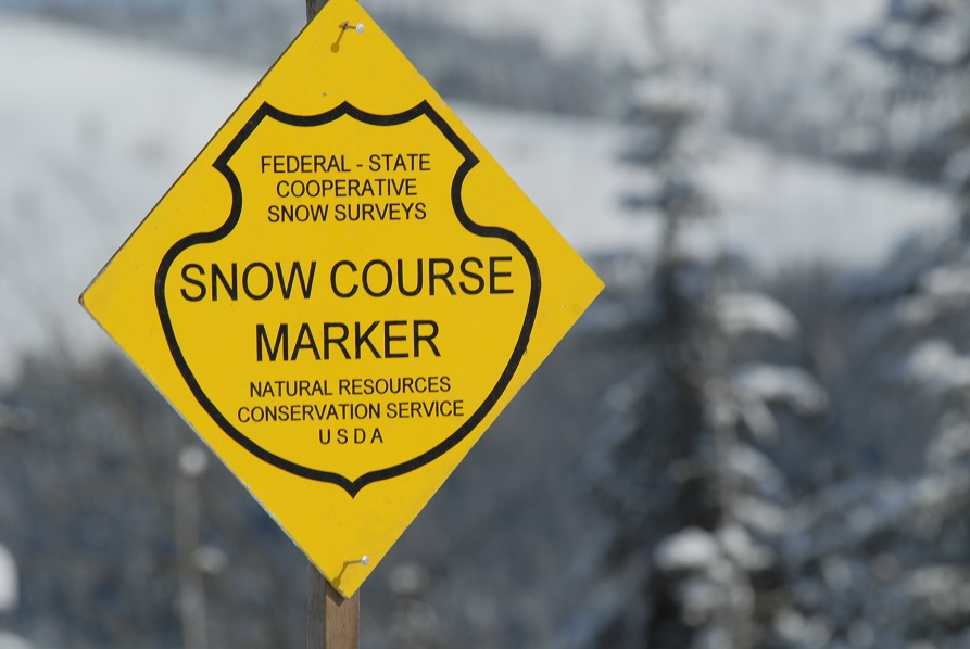 Snow marker sign