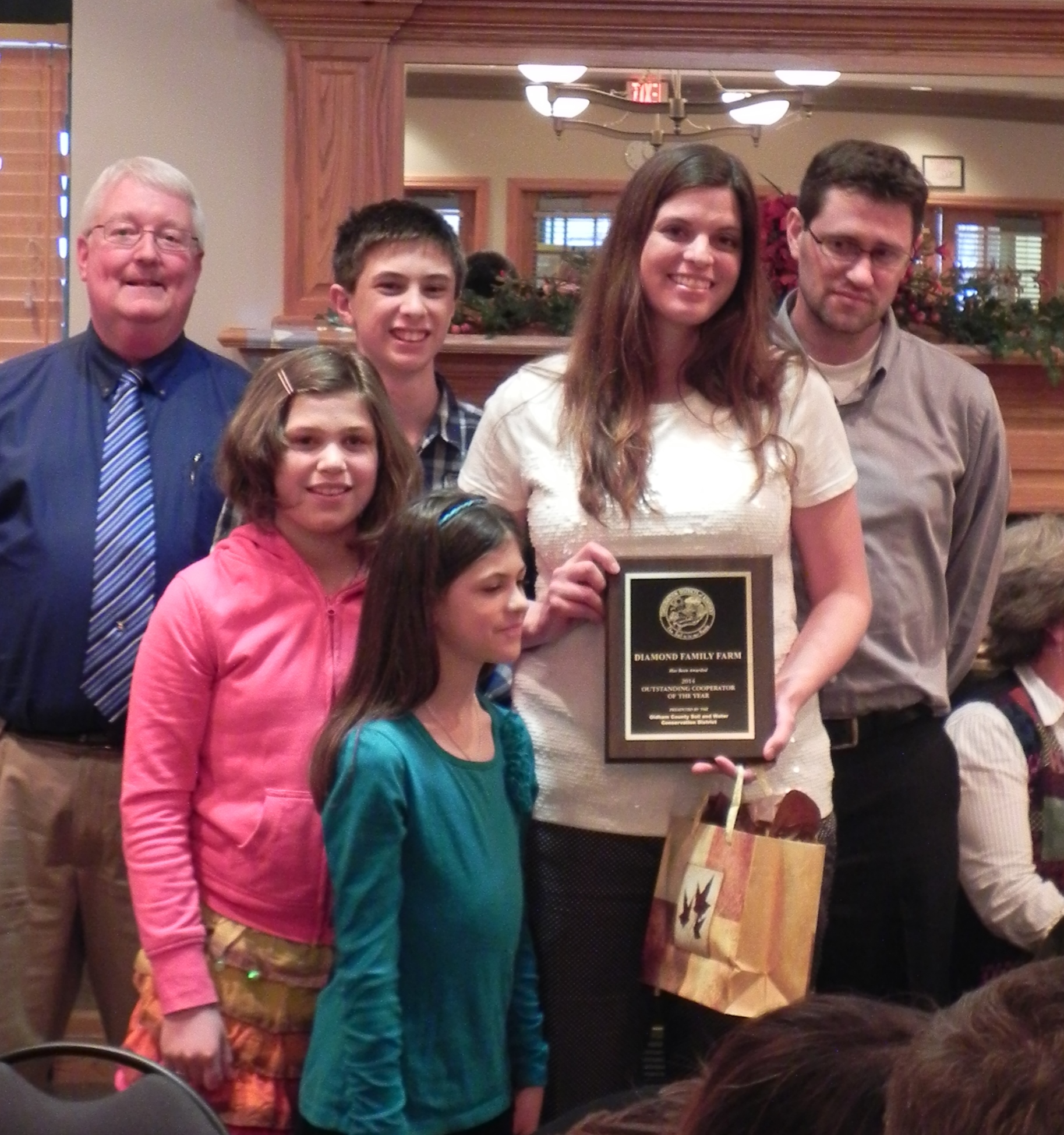 Diamond Family receives award