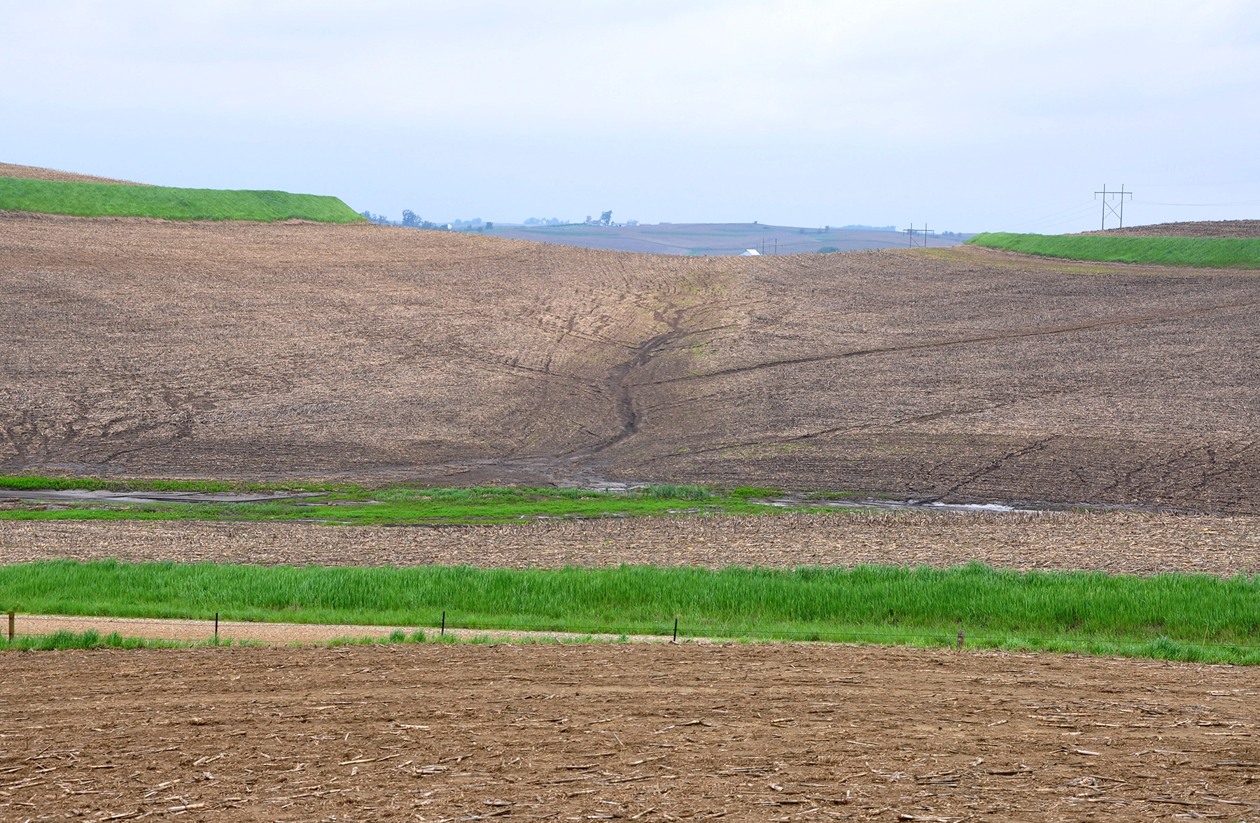 Prevent soil erosion images frompo for Soil erosion definition