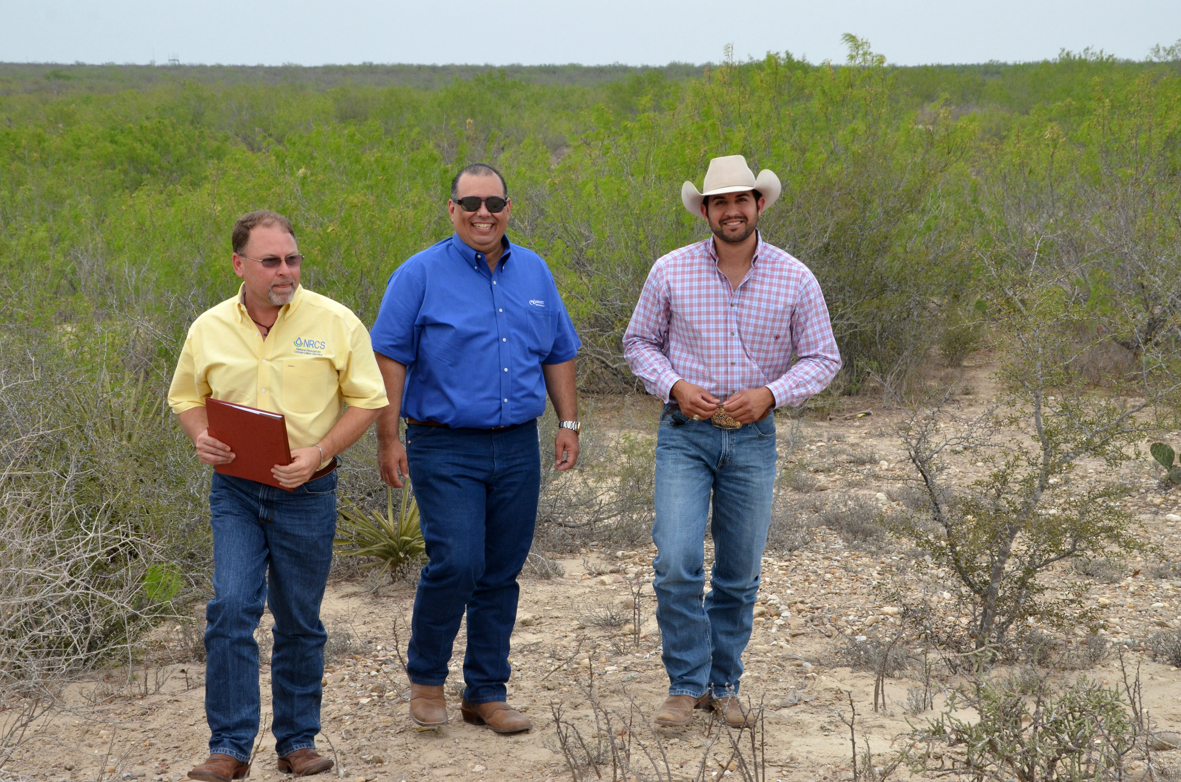 (L to R) Flavio Garza, NRCS district conservationist in Laredo, Texas, Jorge Espinoza of Laredo and