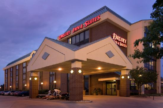Drury Inn & Suites